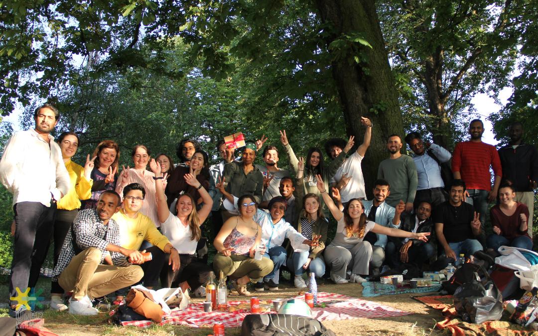 La création de l'académie de la participation des personnes réfugiées, suite au nouveau rapport du HCR